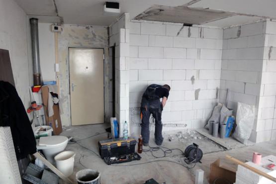 Rekonstrukce garsoniéry - Obytná místnost v průběhu rekonstrukce