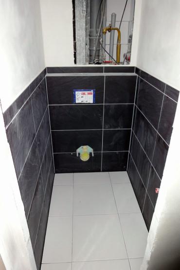 Rekonstrukce garsoniéry - WC v průběhu