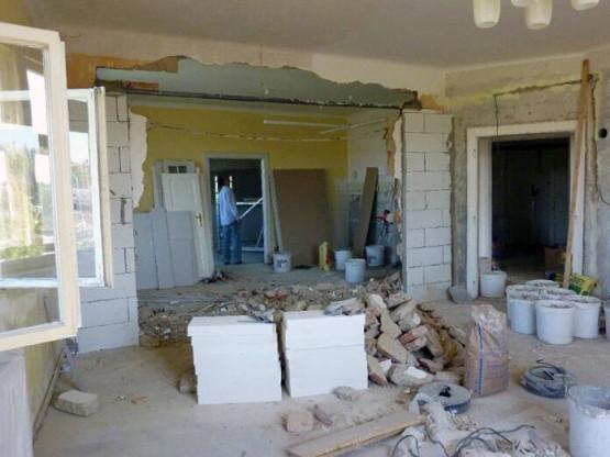 Obývací pokoj před rekonstrukci