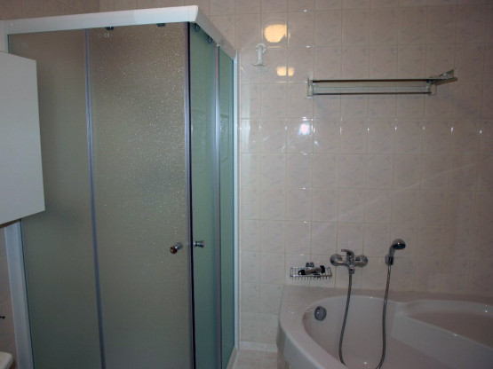 Nový sprchový kout